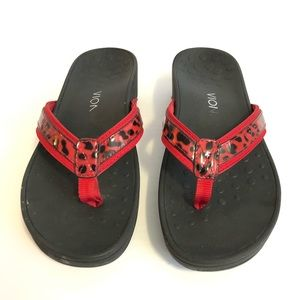 Vionic Pacific Hightide Red Print Flip Flop Size 9